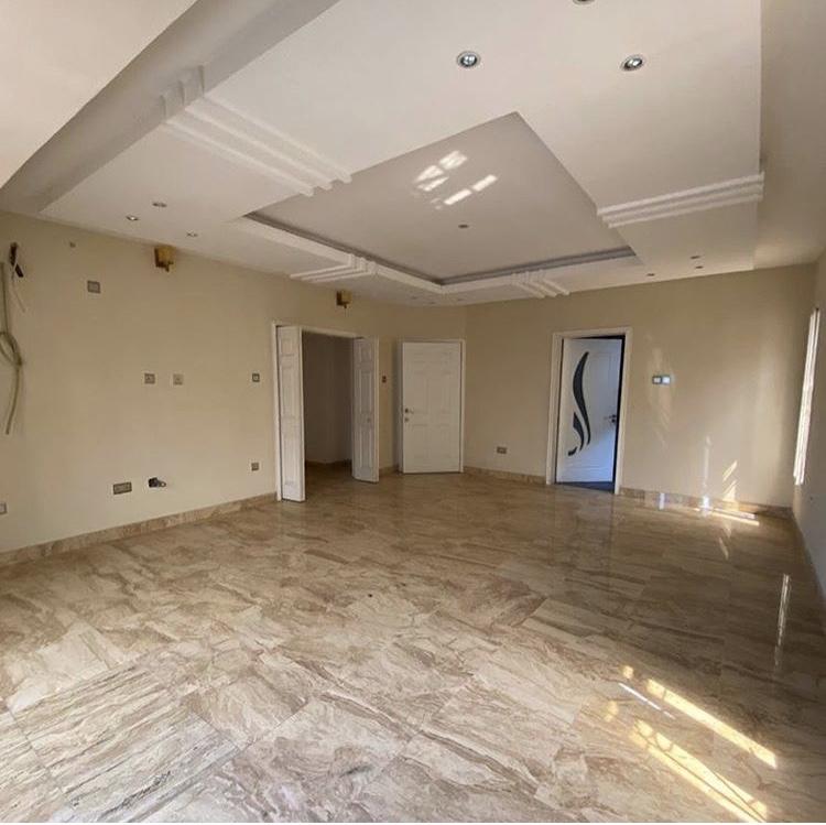 5 bedroom semi detached house in Lekki